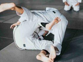 """Comment  Apprendre l'art martial des """"points de pression"""""""
